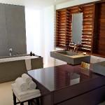 Salle de bains au Sereno