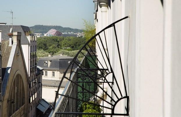 Vue sur la Fondation Louis Vuitton depuis l'une des suites du 10 bis.