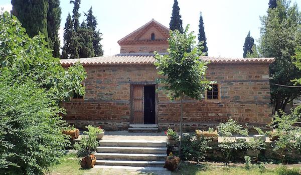 La basilique Saint Nicolas (XIVème siècle) dans le quartier Ano Poli de la ville haute entourée des anciens remparts byzantins.